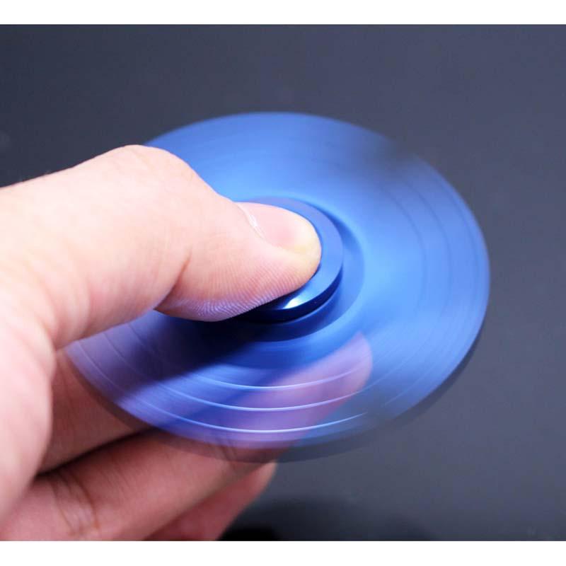 指先ジャイロ 三角 ハンドスピナー 指スピナー 高速回転 人気な指遊び